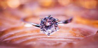טבעות אירוסין ונישואין ומה שבין השניים
