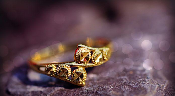 טבעות אירוסין זהב צהוב, לבן או פלטיניום?