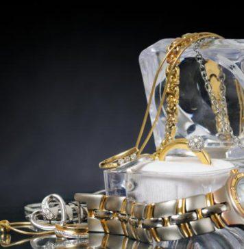 טבעת עם חריטה כמו יוליוס קיסר...